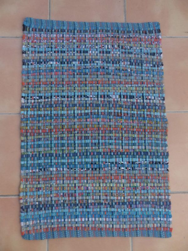 Alformbra de trapo en tonos azules