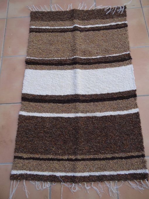 Pie de cama artesana tonos marrones