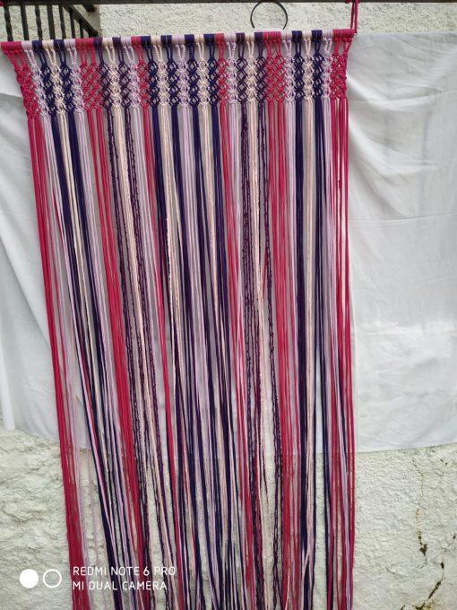 cortinas de tiras tonos rosas con morado