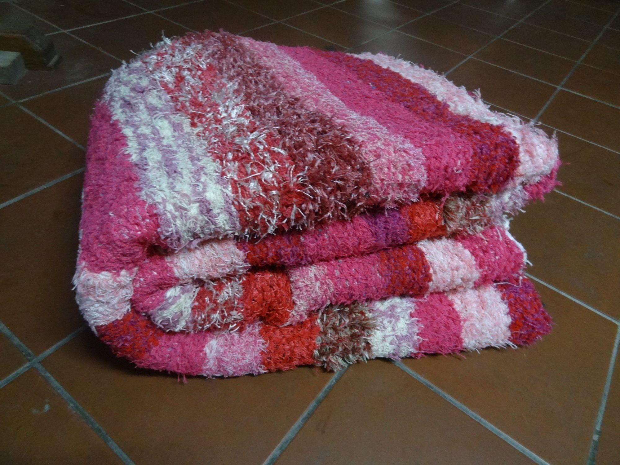 Jarapa, alfombra alpujarreña rosa