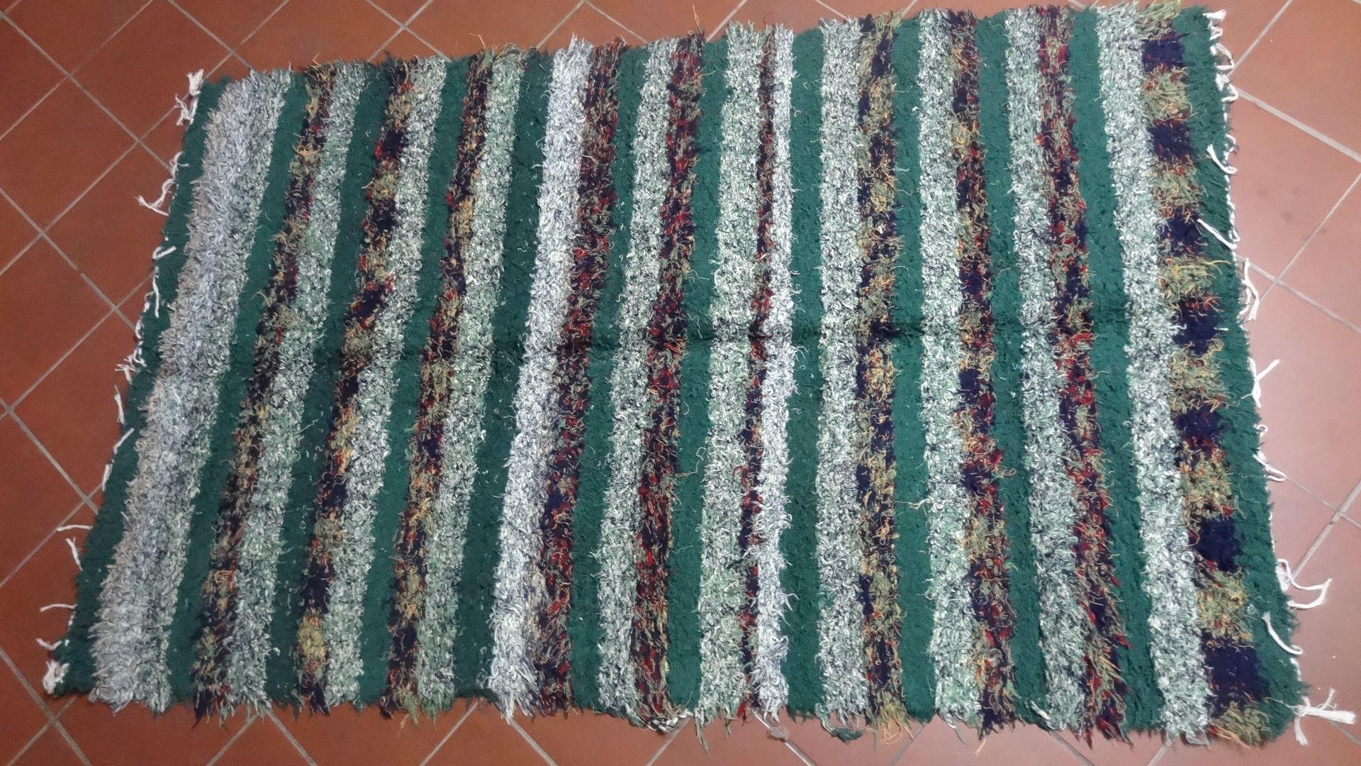 jarapa, alfombra alpujarreña en tonos verdes de pelo extra