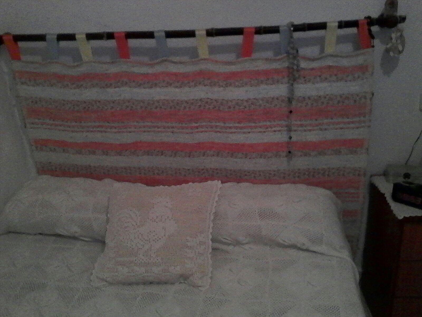 Una jarapa lo mismo es para una alfombra que para tapiz en las paredes o cabecero de cama