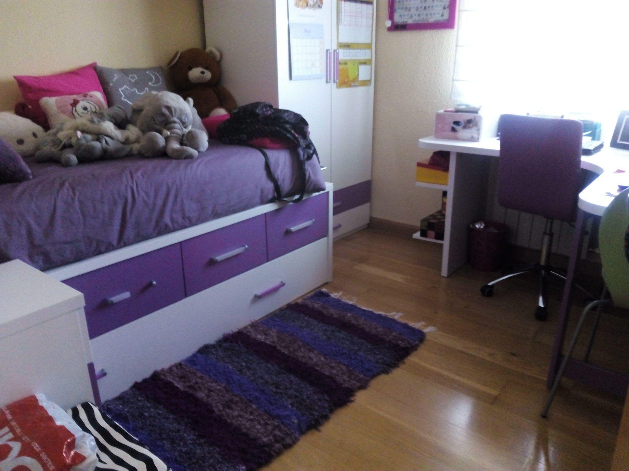 Jarapa morada, diseñada para este dormitorio