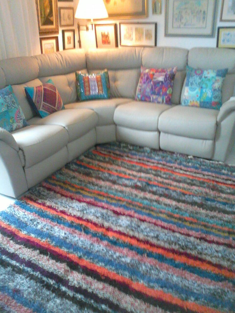 Jarapa, alfombra alpujarreña multicolor, destinado a multitud de sitios de la casa