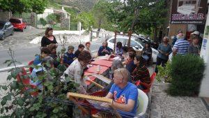 Dia mundial de tejer en publico en La Alpujarra. Turismo slow
