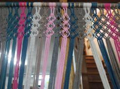 cortina tiras rosa con morado