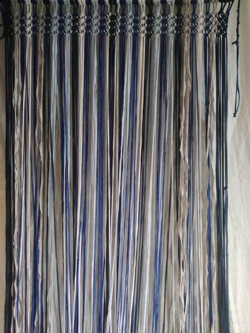 cortina mosquitera de La Alpujarra en tonos azules