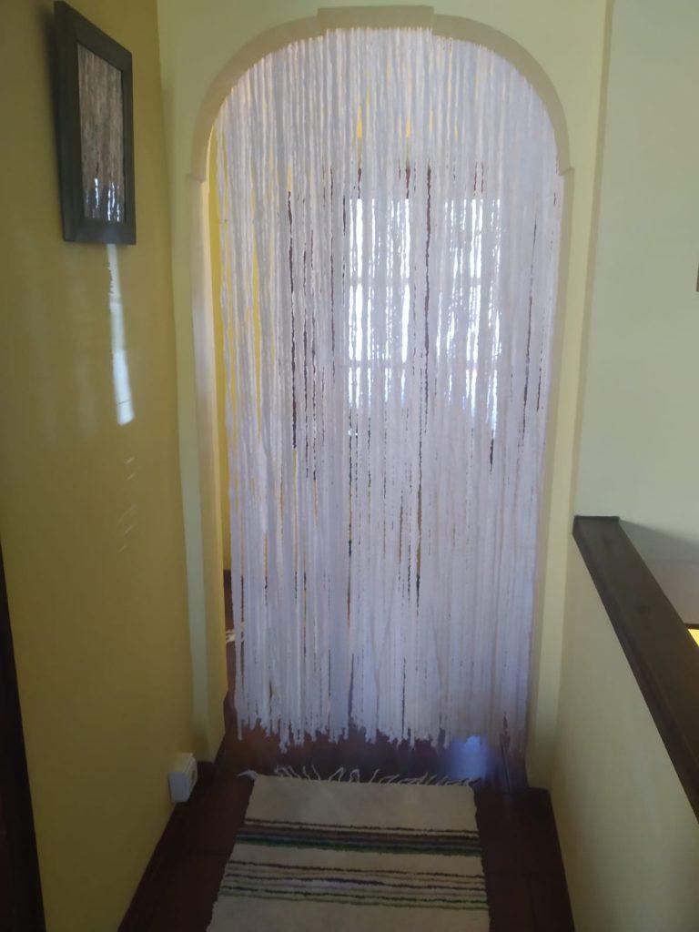 cortina mosquitera para separar ambientes